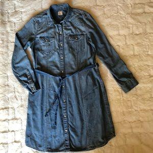 GAP Women's blue jeans dress size L
